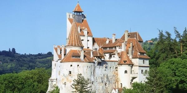 Top 20 Beautiful Fairytale Castles around the World Part 1