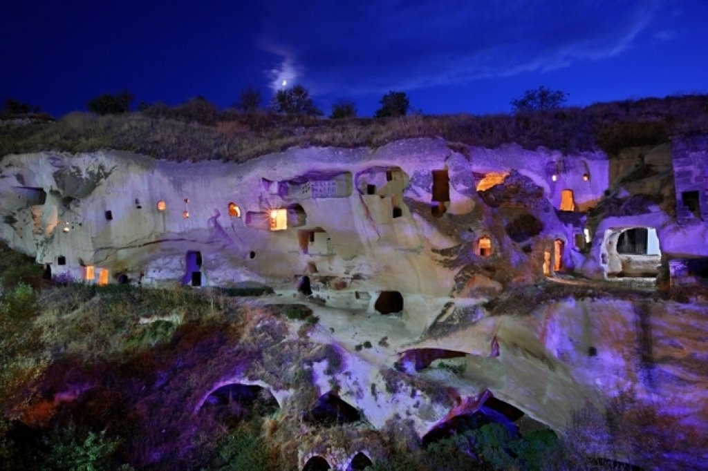 Derinkuyu: the biggest and most mysterious underground city